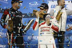 Podyum: Yarış galibi Esteban Guerrieri, Honda Racing Team JAS, Honda Civic WTCC