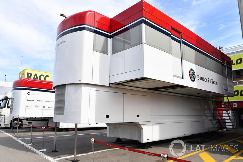 Alfa Romeo Sauber F1 Team camiones