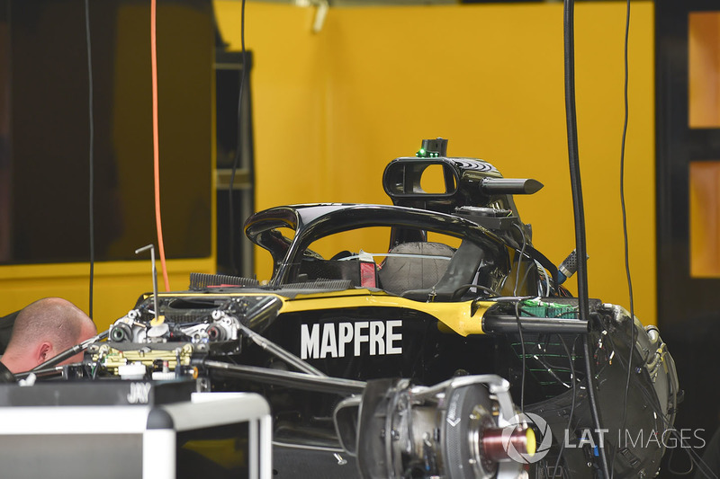 Renault Sport F1 Team R.S. 18 in the garage
