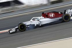 Marcus Ericsson, Sauber C37 bloque une roue