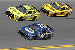Chase Elliott, Hendrick Motorsports Chevrolet, Matt Kenseth, Joe Gibbs Racing Toyota, Kyle Busch, Jo