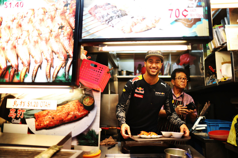 Daniel Ricciardo, Red Bull Racing at Newton Food Centre