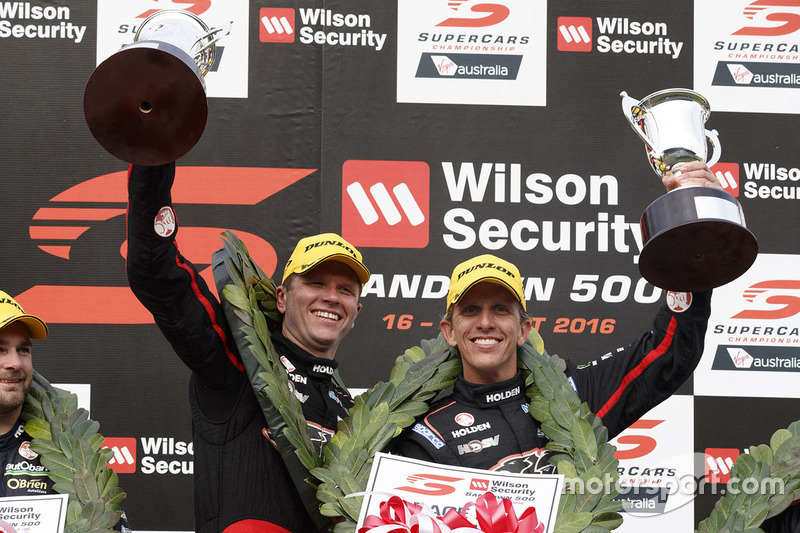 Podium: Sieger Garth Tander und Warren Luff, Holden Racing Team