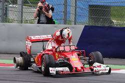 Sebastian Vettel, Ferrari out of the race