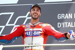 Podium : le vainqueur Andrea Dovizioso, Ducati Team
