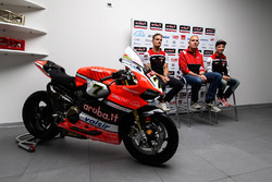 Chaz Davies, Ducati Team; Ernesto Marinelli, Ducati, Projektleiter Superbike; Marco Melandri, Ducati