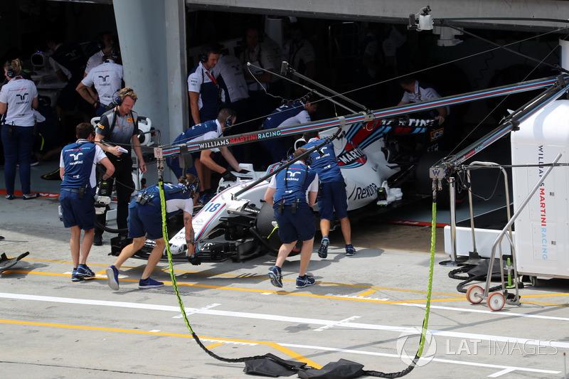 Механіки Williams, Williams FW40 Ленс Стролл