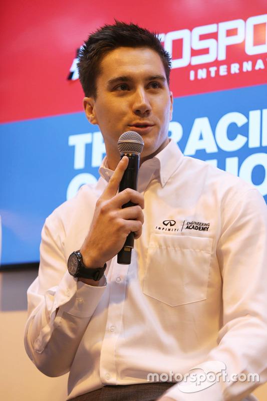 Ingenieros Junior Infiniti/Renault Sport en el Tech Talk
