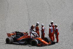 Сход: Стоффель Вандорн, McLaren MCL32