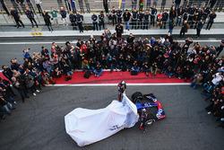 Daniil Kvyat, Scuderia Toro Rosso et Carlos Sainz Jr., Scuderia Toro Rosso dévoilent la Scuderia Toro Rosso STR12