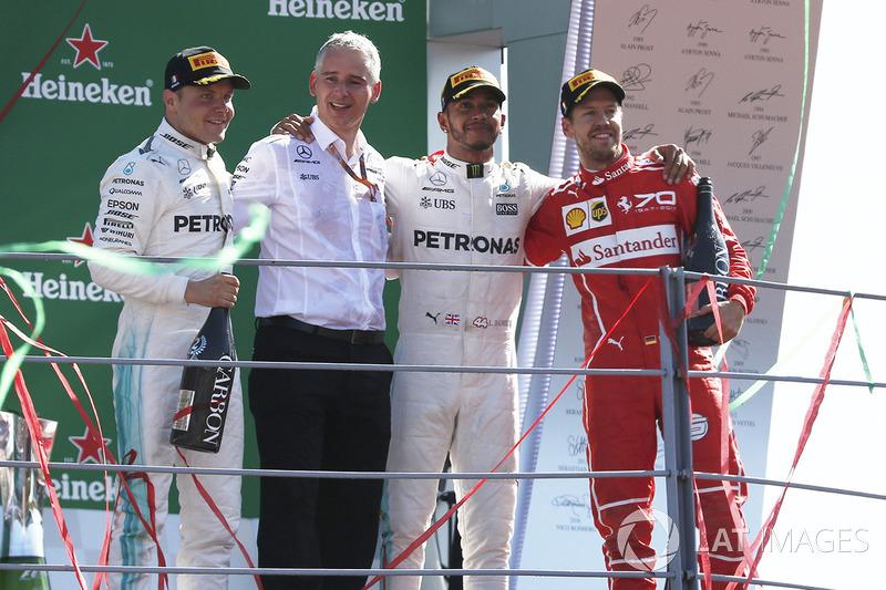 13º Podio del GP de Italia 2017 -2º Valtteri Bottas, Mercedes; 2º Lewis Hamilton, Mercedes; 3ºSebastian Vettel, Ferrari