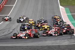 Arrancada: Charles Leclerc, PREMA Powerteam líder