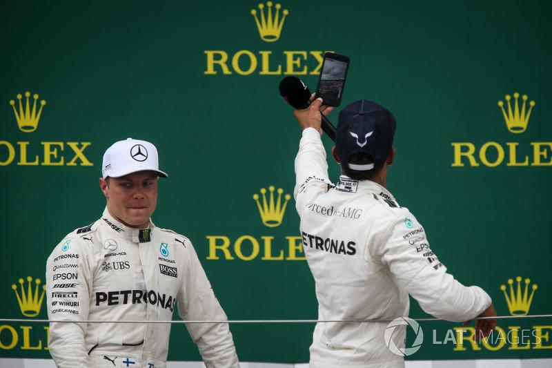 Valtteri Bottas, Mercedes AMG F1 and Lewis Hamilton, Mercedes AMG F1 celebrate on the podium