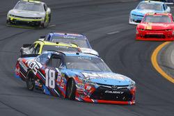 Kyle Busch, Joe Gibbs Racing Toyota gets loose