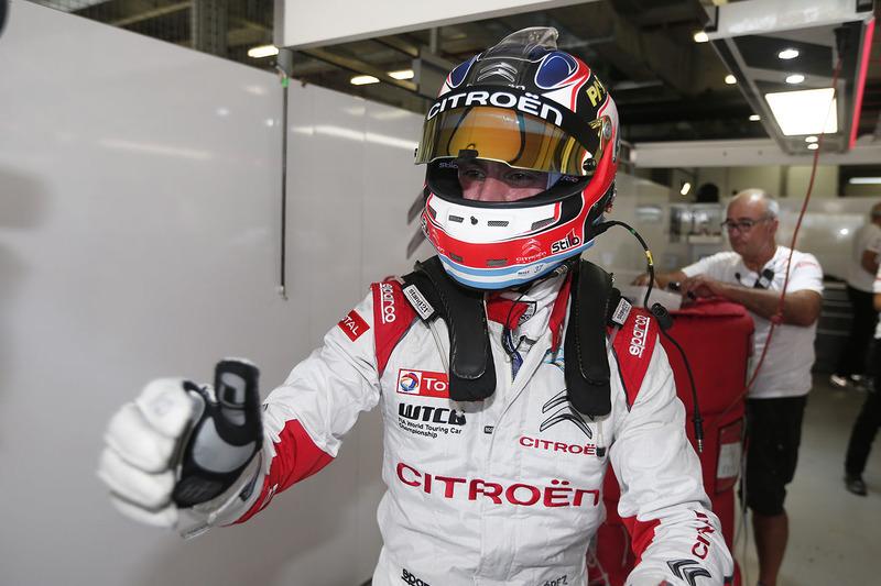 Polesitter Jose Maria Lopez, Citroën C-Elysée WTCC, Citroën World Touring Car Team