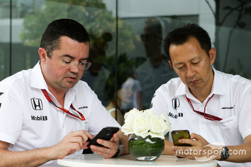 (L to R): Eric Boullier, McLaren Racing Director with Yusuke Hasegawa, Head of Honda F1 Programme