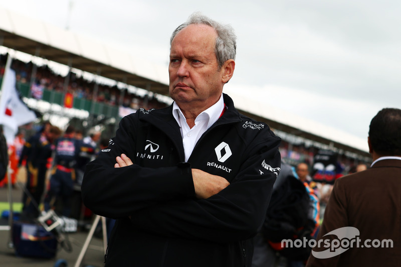 Frederic Vasseur, Renault Sport F1 Team Racing Director on the grid