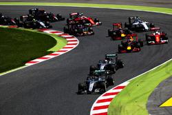 Nico Rosberg, Mercedes AMG F1 W07 Hybrid y Lewis Hamilton, Mercedes AMG F1 W07 Hybrid, Daniel Riccia