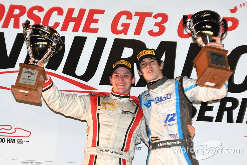 Renan Guerra e Christian Hahn comemoram vitória na Porsche pela classe Challenge