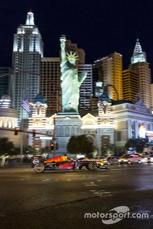 Daniel Ricciardo, Red Bull Racing en Las Vegas