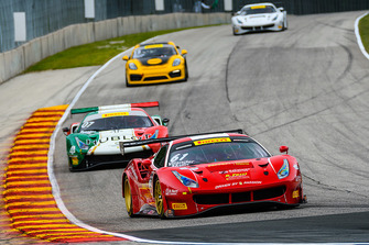 #61 Ferrari 488 GT3, Remo Ferri Motorsport: Toni Vilander, Miguel Molina