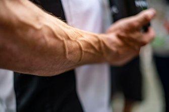 Cal Crutchlow, LCR Honda Castrol's veins in his arm