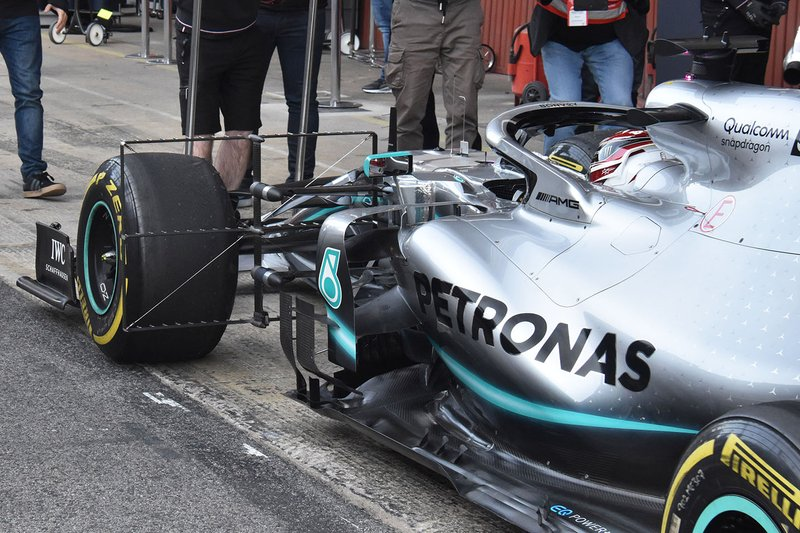 Detalle lateral del Mercedes AMG F1 W10