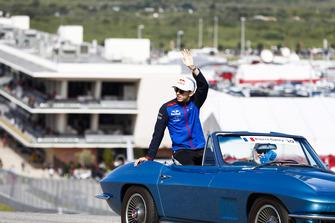 Pierre Gasly, Scuderia Toro Rosso, nella drivers parade