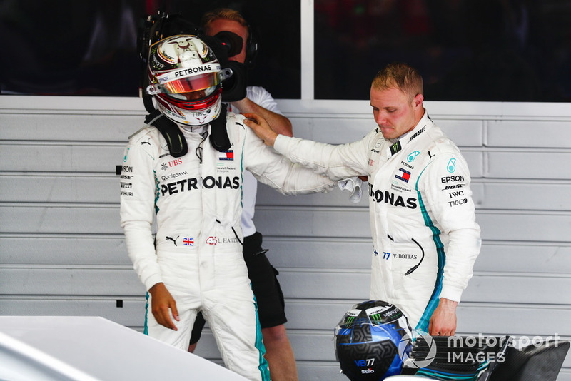 Valtteri Bottas, Mercedes AMG F1, congratulates Race winner Lewis Hamilton, Mercedes AMG F1