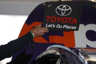 Denny Hamlin, Joe Gibbs Racing, Toyota Camry FedEx Express, engineer, laptop, computer