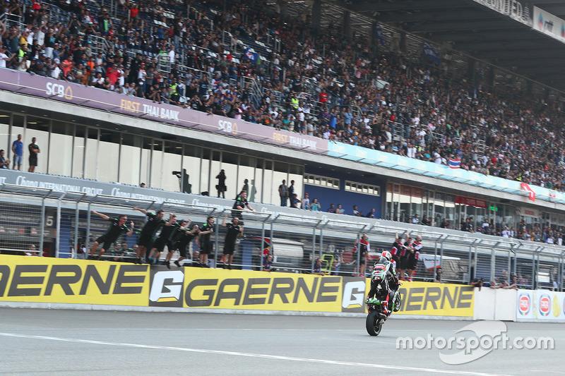 Ganador de la carrera Jonathan Rea, Kawasaki Racing