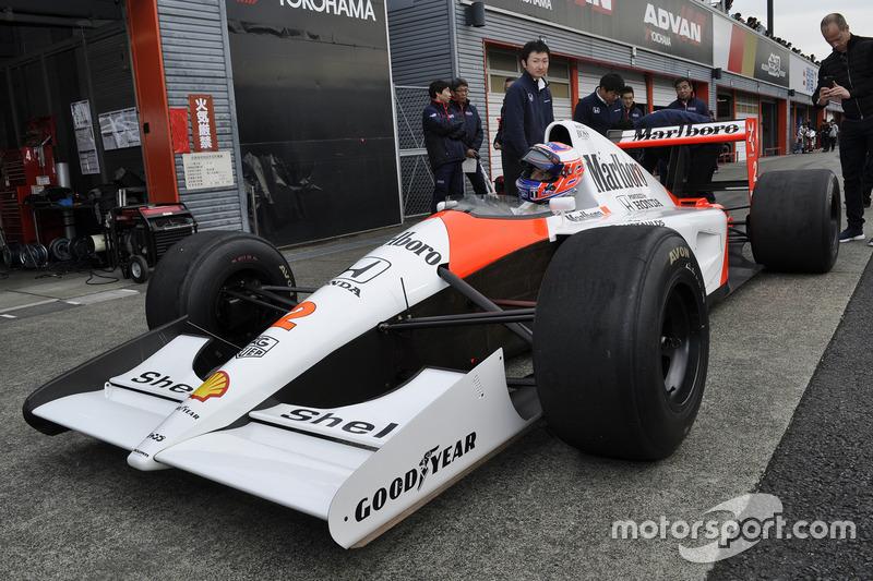 McLaren MP4/6に乗るジェンソン・バトン
