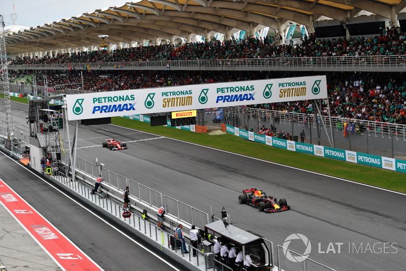Даніель Ріккардо, Red Bull Racing RB13, Себастьян Феттель, Ferrari SF70H