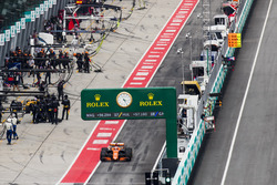 Stoffel Vandoorne, McLaren MCL32, leaves the pit lane after a stop