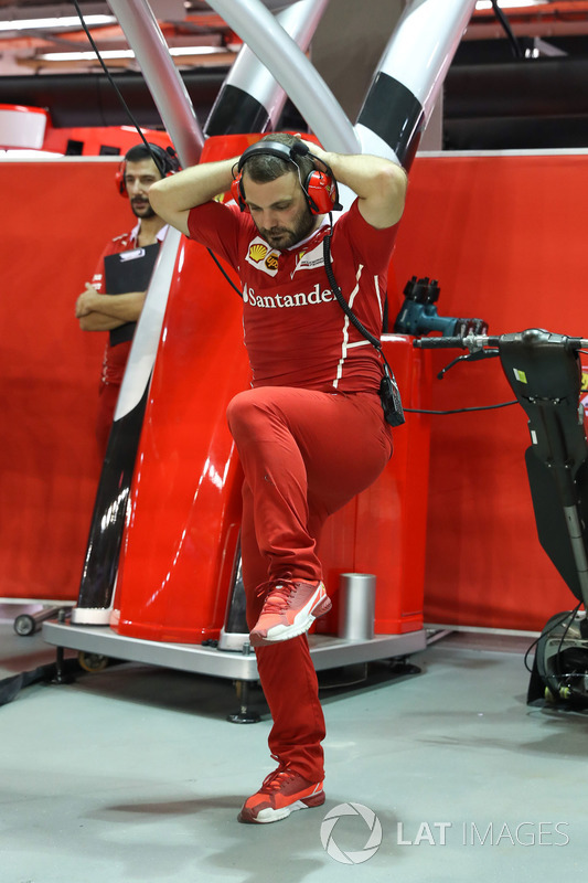 Ferrari mechanic warm up exercises