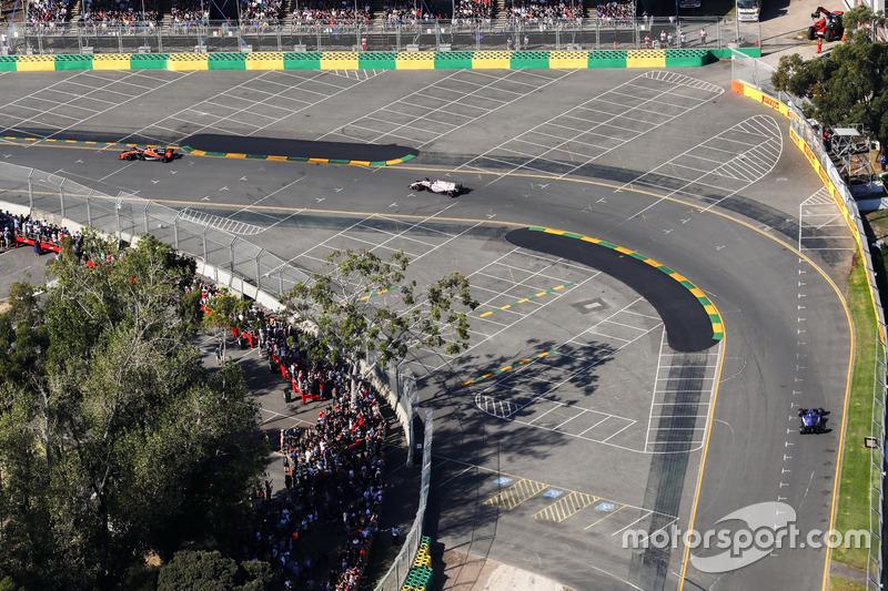 Fernando Alonso, McLaren, MCL32; Esteban Ocon, Force India, VJM10