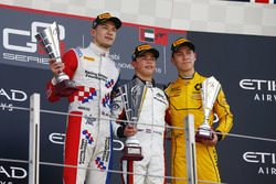Podium: second place Jake Dennis, Arden International; Race winner Nyck De Vries, ART Grand Prix; third place Jack Aitken, Arden International