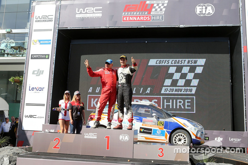 Podium WRC2: 1. Michel Fabre, Maxime Vilmot