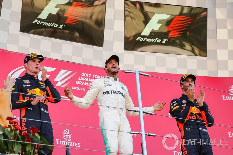 Race winner Max Verstappen, Red Bull Racing Lewis Hamilton, Mercedes AMG F1 and Daniel Ricciardo, Red Bull Racing celebrate on the podium