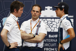 Rob Smedley, Head of Vehicle Performance, Williams with Lance Stroll, Williams
