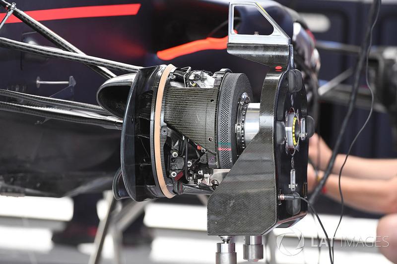 Red Bull Racing RB13: Vorderradbremse