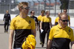 Ознакомление с трассой: третий пилот Renault Sport F1 Сергей Сироткин