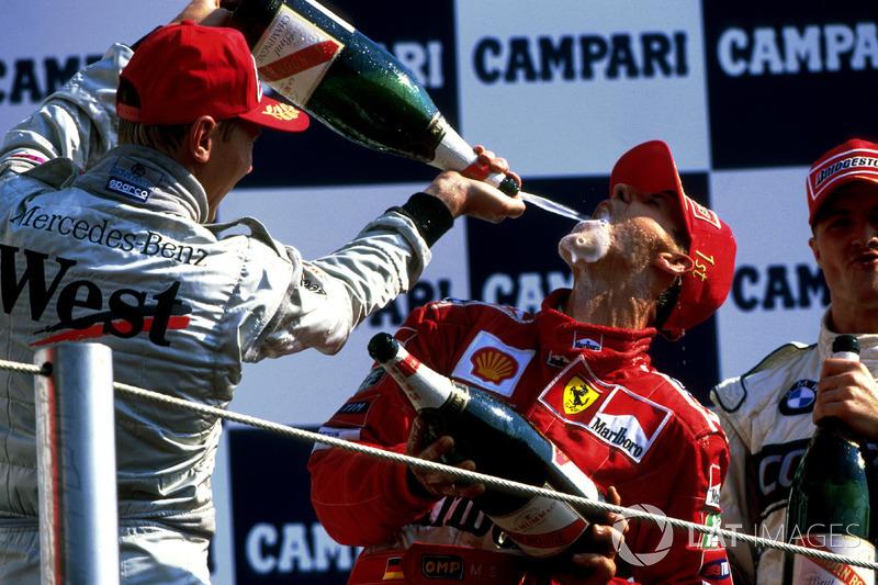 PÓDIOS: Hamilton é o segundo piloto com mais pódios na F1, com 44 a menos que Schumacher (155 a 111). Com a média que possui na carreira, ele poderá alcançar o alemão em 80 GPs.