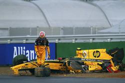 Авария: Виталий Петров, Renault R30