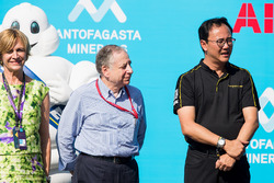 Jean Todt, FIA President stands with a team member of TECHEETAH