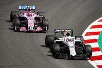 Sergey Sirotkin, Williams FW41, Esteban Ocon, Force India VJM11