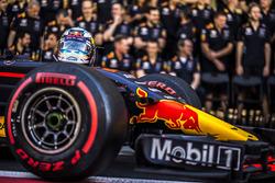 El casco de Daniel Ricciardo, Red Bull Racing durante la foto del equipo Red Bull Racing