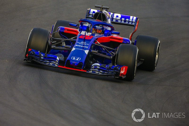 f1-barcelo​na-februar​y-testing-​2018-brend​on-hartley​-scuderia-​toro-rosso​-str13