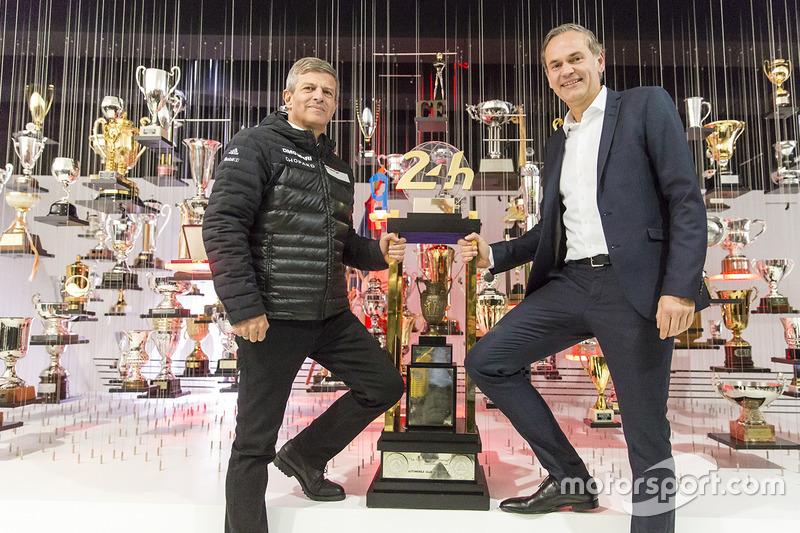 Fritz Enzinger, LMP1 direktör yardımcısı, Oliver Blume, Porsche yönetim kurulu başkanı
