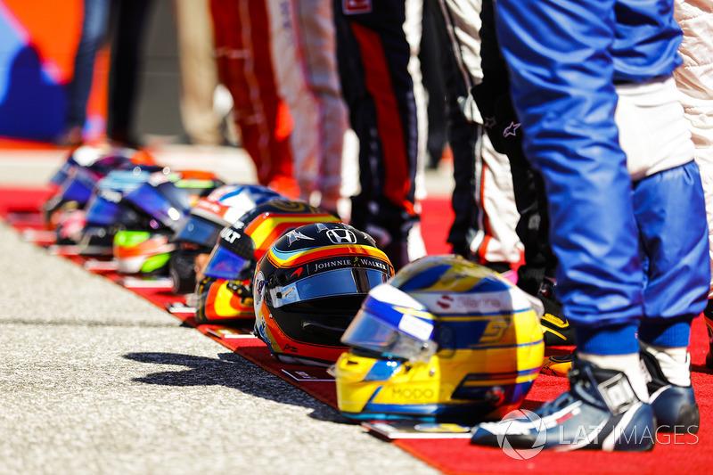 Marcus Ericsson, Sauber, Fernando Alonso, McLaren, Carlos Sainz Jr., Renault Sport F1 Team, Romain Grosjean, Haas F1 Team